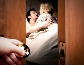 Tôi chết điếng khi phát hiện người yêu ngoại tình với bạn thân