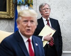 """Sa thải cố vấn """"diều hâu"""", ông Trump sẽ chọn ai vào """"ghế nóng"""" cố vấn an ninh?"""