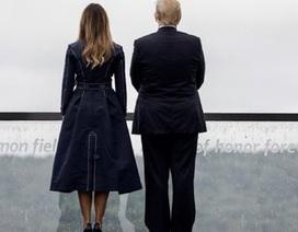 """Bà Melania Trump gây tranh cãi vì mặc áo """"gợi nhớ vụ khủng bố 11/9"""""""