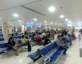 Nam hành khách không lên máy bay, cố dỡ trần nhà để trốn… nợ!