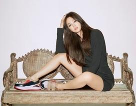 Song Hye Kyo khoe chân thon, tạo dáng gợi cảm trong loạt ảnh mới