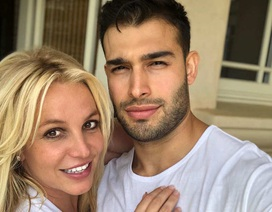 Bạn trai giúp Britney Spears giữ bình tĩnh