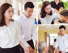 Hoa hậu Đặng Thu Thảo giản dị đi trao quà
