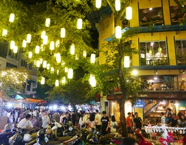Hà Nội: Phố cổ rực rỡ đèn lồng, chật cứng người đi chơi Trung thu