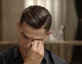 C.Ronaldo ướt đẫm nước mắt khi nhắc về người cha quá cố