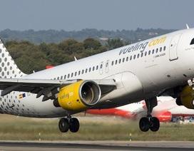 """Máy bay bốc cháy khiến hành khách hoảng loạn còn tiếp viên xử lý """"gây ức chế"""""""
