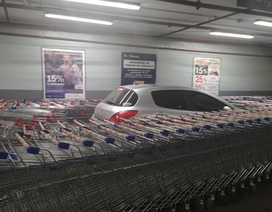 Nhân viên siêu thị tặng khách hàng bài học nhớ đời vì đỗ xe sai chỗ
