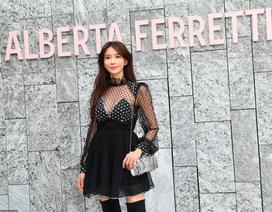 Siêu mẫu Lâm Chí Linh tự tin khoe dáng thon, phủ nhận mang thai