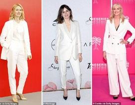 """Mốt thu đông năm nay là """"suit"""" trắng trẻ trung, thanh lịch"""