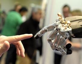 """5 phẩm chất cần có để không bị robot """"cướp"""" việc làm"""