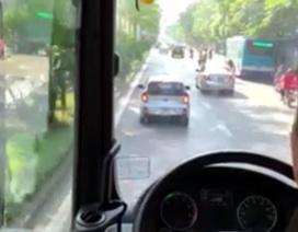 Hà Nội: Truy tìm tài xế xe KIA Morning không nhường đường cho xe chữa cháy