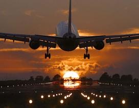 """Vietravel Airlines chờ cất cánh, cổ phiếu công ty mẹ bị """"tranh cướp"""" lúc lên sàn"""