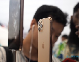 """Dân buôn iPhone 11 phá giá lẫn nhau, đẩy giá xuống """"cận sàn"""""""