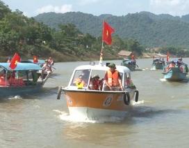 Bí thư thôn tự sắm thuyền, lập đội cứu hộ tình nguyện trên sông vào động Phong Nha
