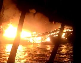 Tàu cá cháy nổ và chìm trên biển, 6 thuyền viên được cứu sống