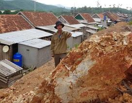 Quảng Bình: Di dời để tránh ngập lụt lại được đưa tới vùng sạt lở đất
