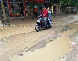 """Ninh Bình: Người dân khốn khổ vì con đường """"nát bét"""" giữa lòng thành phố!"""