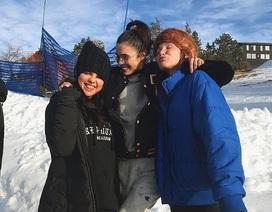 Bỏ qua Justin Bieber, Selena Gomez hạnh phúc bên gia đình và bạn bè