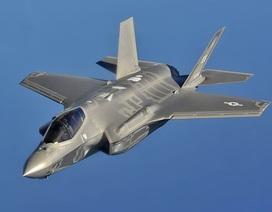 """Video """"chim sắt"""" F-35A Mỹ phô diễn kỹ thuật ấn tượng"""