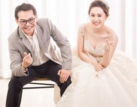 NSND Trung Hiếu tạo hình hài hước trong bộ ảnh cưới với vợ 9x