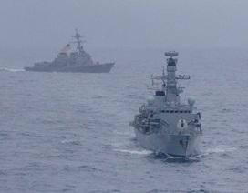 Hải quân Mỹ, Anh lần đầu tập trận chung ở Biển Đông