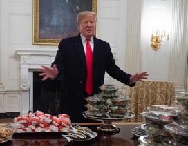 Ông Trump chi 3.000 USD tổ chức tiệc toàn đồ ăn nhanh ở Nhà Trắng