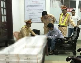 Bắt giữ xe khách chở gần 2.000 gói thuốc lá nhập lậu