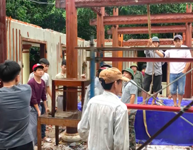 """Đang tháo dỡ biệt phủ trái phép của """"đại gia vàng"""" ở Đà Nẵng"""