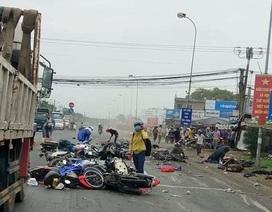 Xe container lao vào dòng xe dừng đèn đỏ, 4 người chết, hơn 10 người bị thương