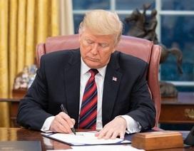 Ông Trump ký luật bán vũ khí cho Đài Loan bất chấp Trung Quốc phản đối
