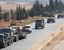 Đoàn xe quân sự lớn Thổ Nhĩ Kỳ rầm rập tiến đến biên giới Syria chuẩn bị đánh người Kurd