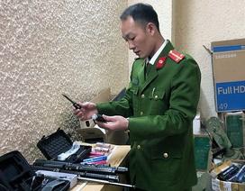 Hà Nội: Phá nhóm buôn công cụ hỗ trợ, thu hơn 2.000 sản phẩm