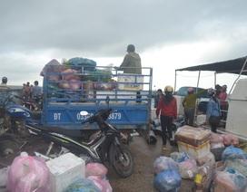 Hành khách ùn ùn ra đảo Lý Sơn sau 7 ngày biển động