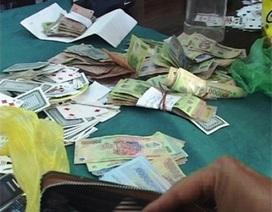 Tạm giữ 18 đối tượng, thu tổng cộng hơn 100 triệu đồng