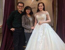 NSND Trung Hiếu đưa bà xã kém 19 tuổi đi thử váy cưới
