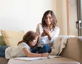 """""""Con gái mẹ hay điện thoại quan trọng hơn?"""""""