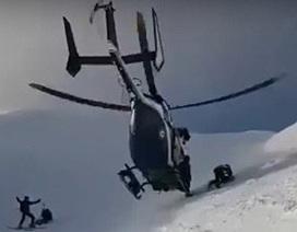 Xem trực thăng giải cứu ngoạn mục người leo núi trên đỉnh An-pơ