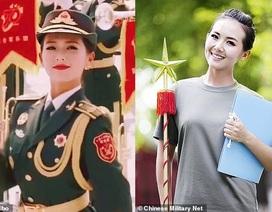 """Nữ quân nhân gây """"sốt"""" trong lễ duyệt binh Trung Quốc"""