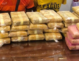 Bắt 2 đối tượng người Lào vận chuyển hơn 200 ngàn viên ma túy sang Việt Nam