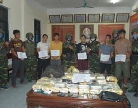 """Bắt nhóm đối tượng người Lào vận chuyển lượng ma túy """"khủng"""" kèm theo vũ khí nóng"""