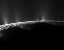 Các phân tử hữu cơ được phát hiện trên Mặt trăng Enceladus của sao Thổ