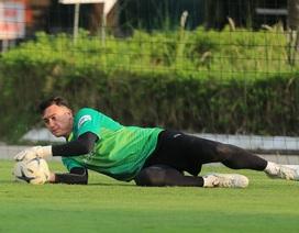 """Văn Lâm: """"Hàng công của Malaysia mạnh hơn so với AFF Cup 2018"""""""