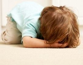 Thói ăn vạ khiến cha mẹ bực mình nhưng lại là bình thường ở trẻ nhỏ