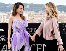 Angelina Jolie trẻ đẹp hút hồn với áo tím
