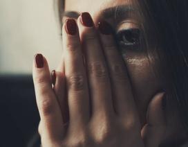 Bị tình cũ bỏ rơi, dọa đến gặp vợ anh ta để... đòi công lý