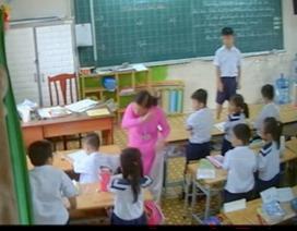 Vụ cô giáo đánh, kéo tai học trò: Cần nhìn nhận đa chiều