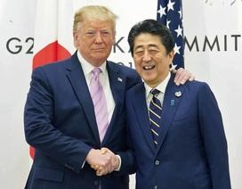 """Lời chúc mừng sinh nhật Thủ tướng Nhật Bản """"kỳ lạ"""" của ông Trump"""