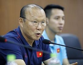 HLV Park Hang Seo loại Xuân Mạnh, Văn Kiên trước trận gặp Malaysia