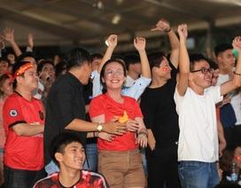 Người hâm mộ TPHCM ngất ngây với chiến thắng của đội tuyển Việt Nam