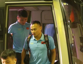 Đội tuyển Việt Nam nhận thưởng nóng 4 tỷ đồng, lên đường sang Indonesia lúc 3h sáng